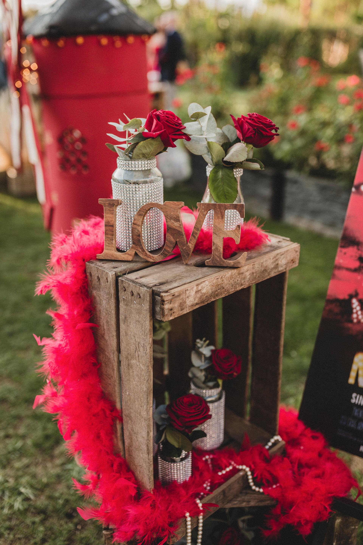 Cómo elegir las flores para tu boda - Rosas rojas - Boda Claudia y Jose