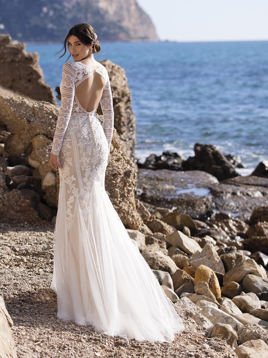 5 tendencias en vestidos de novia 2021 - Espalda descubierta