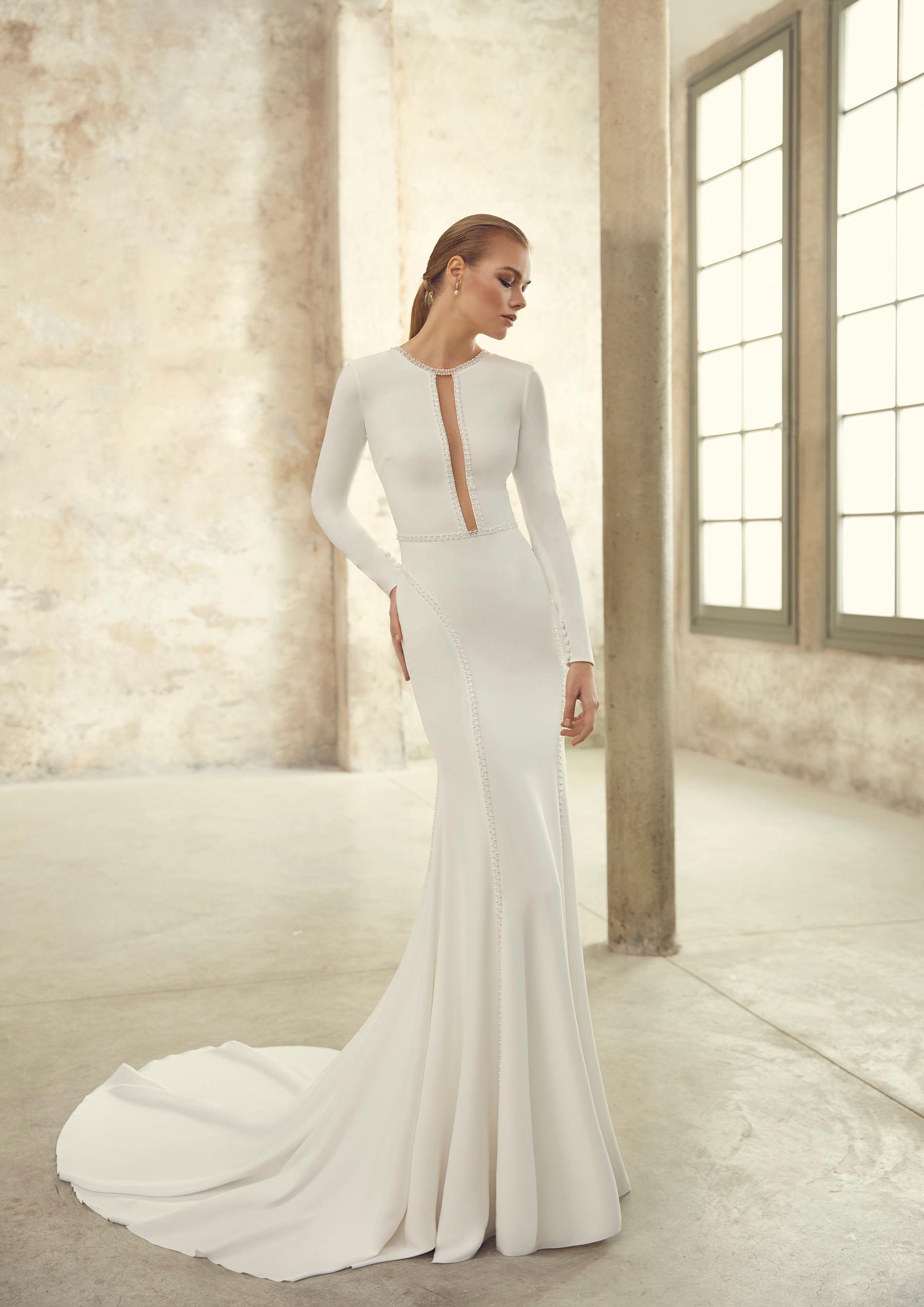 5 tendencias en vestidos de novia 2021 - Vestidos lisos